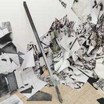vuePHOTO - art - installation - picture - kunst - studio - art contemporain - noir et blanc - peinture - dessin - espace - détail
